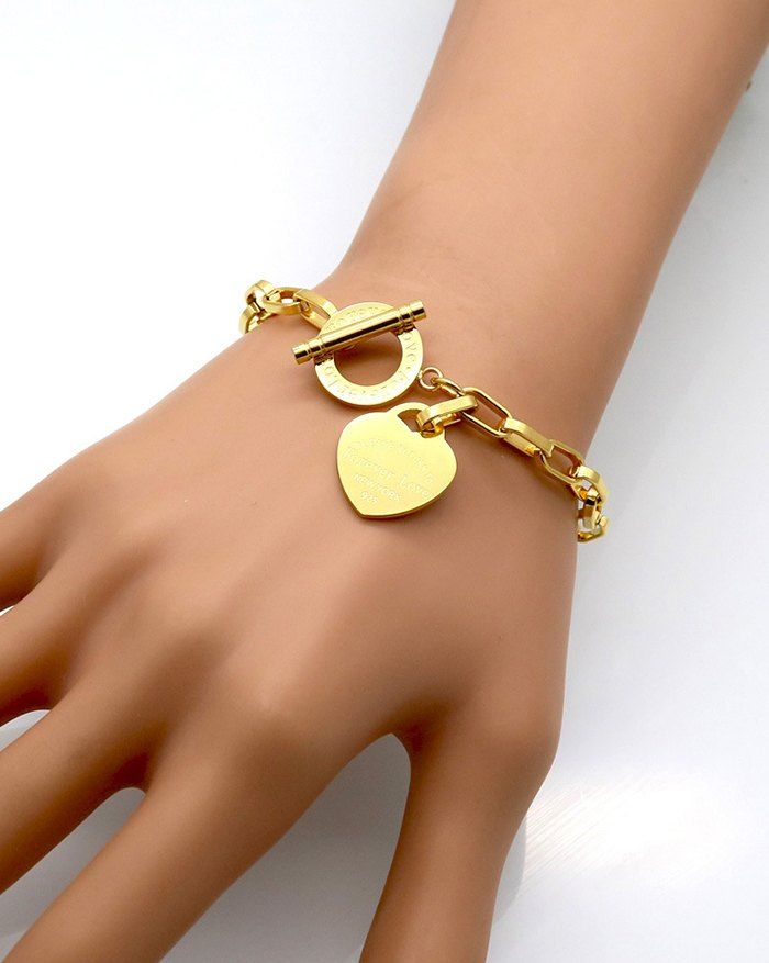 Character Peach Heart Geometric Bracelet - Golden ONE SIZE