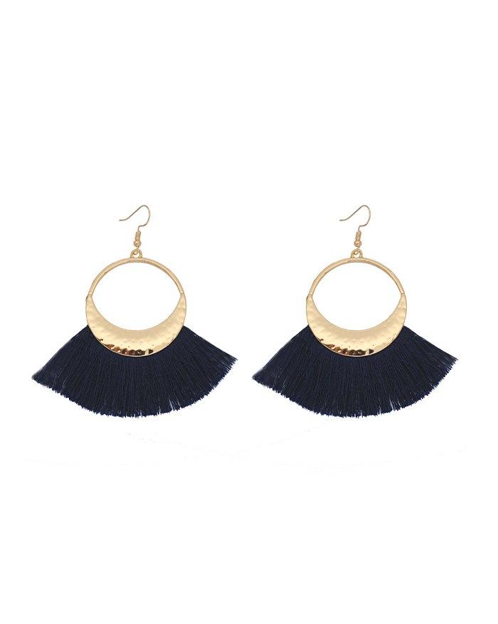 Bohemian Woolen Fringed Scallop Disc Earring - Black ONE SIZE