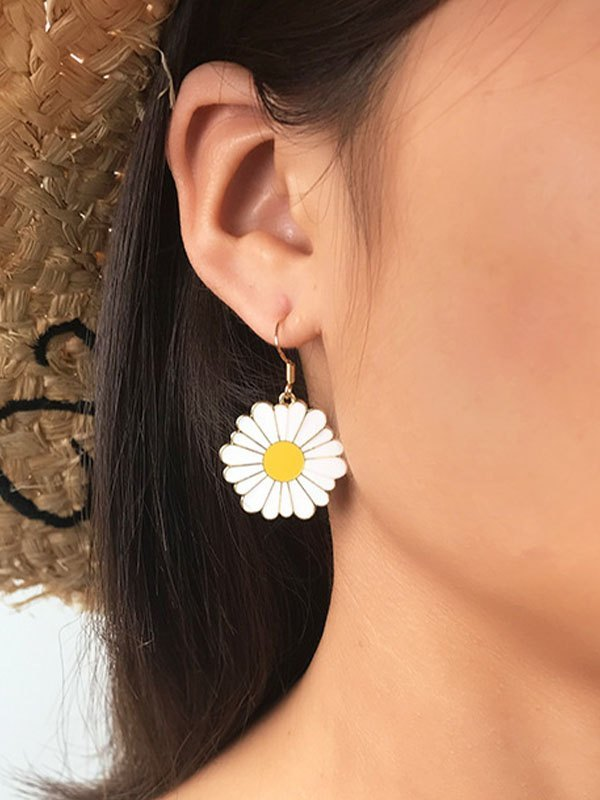 Daisy Charm Drop Earring - White ONE SIZE