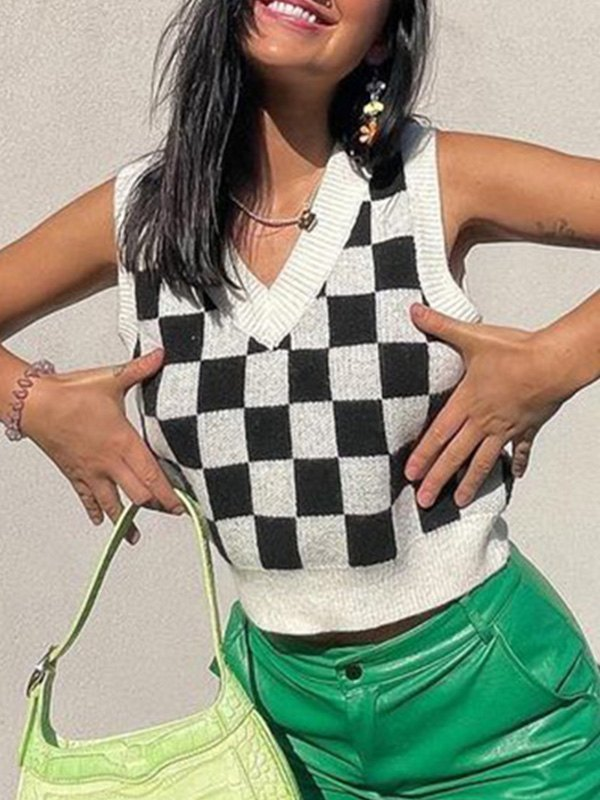 V Neck Checkered Crop Sweater Vest - White L