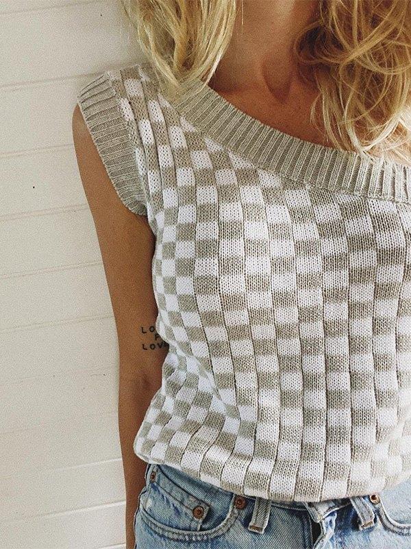 Slant Shoulder Checkered Sweater Vest - Gray M