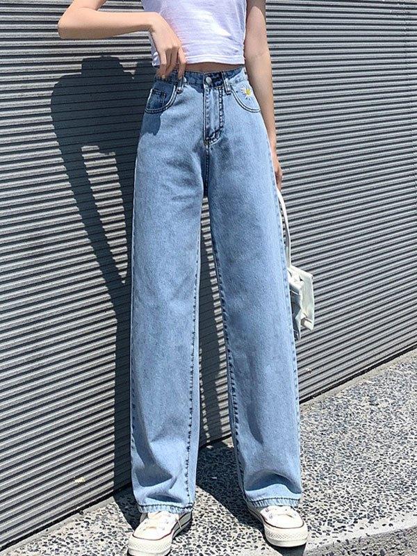 Daisy Embroidery Boyfriend Jeans - Blue M