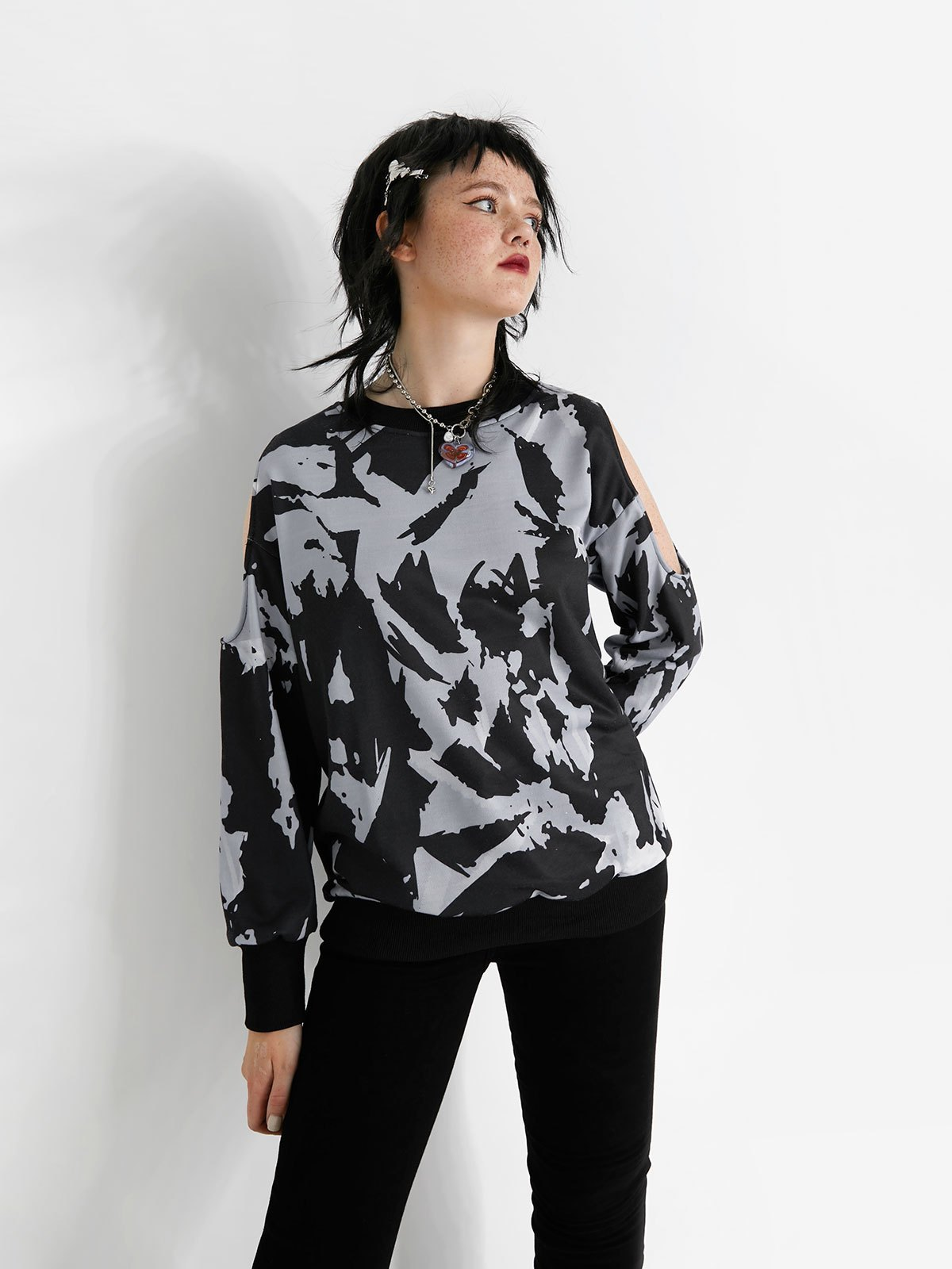 Cutout Tie Dye Sweatshirt - Black M