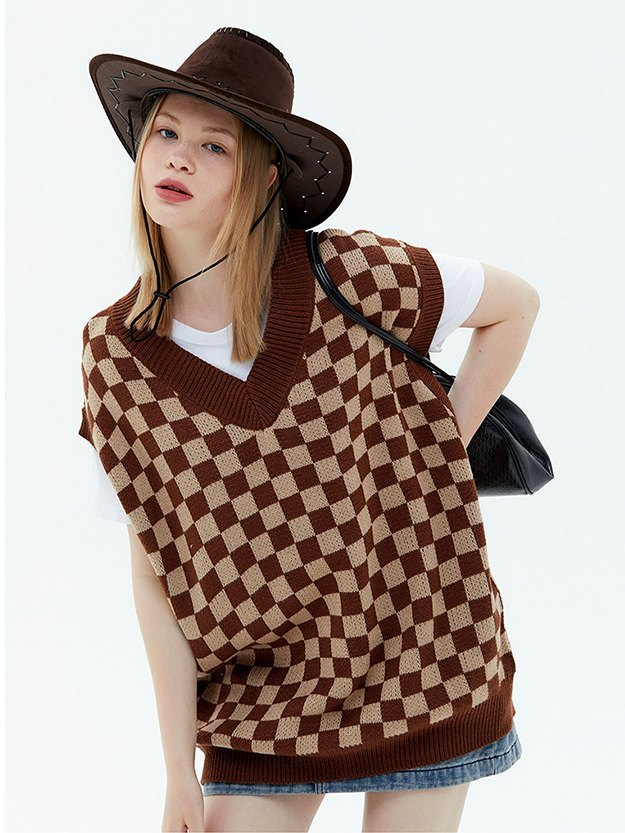 Oversized Checkered Sweater Vest - Brown L